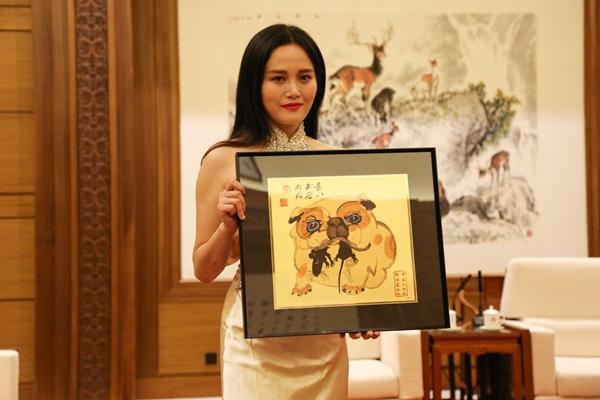 《黄永玉生肖艺术》贵金属系列产品发布仪式在京举行